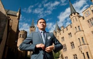 Kevin Chen (Wang Chong) auf der Burg Hohenzollern.