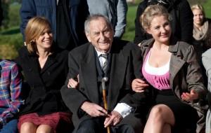 Rita Lengyel (Silke Bogenschütz), Walter Schultheiß (Paul Bogenschütz) und Monika Anna Wojtyllo (Agnieschka Gutek).